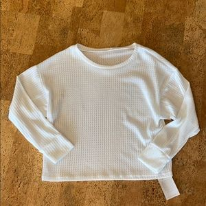 NWT Onzie Waffle Pullover Top